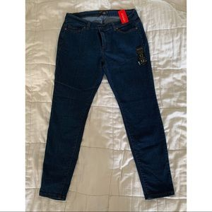 NWT Skinny Jeans